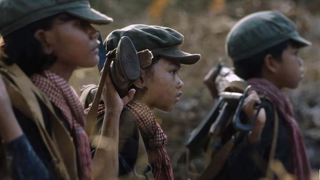 Bộ phim là câu chuyện về tuổi thơ của Loung Ung - They Killed My Father