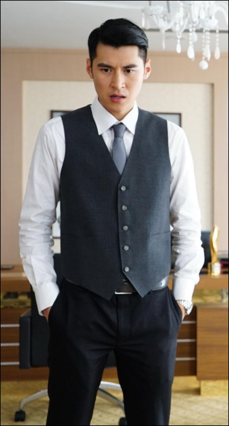Trần Gia Lạc cũng tham gia diễn xuất trong phim Bí Mật Nhà Ma