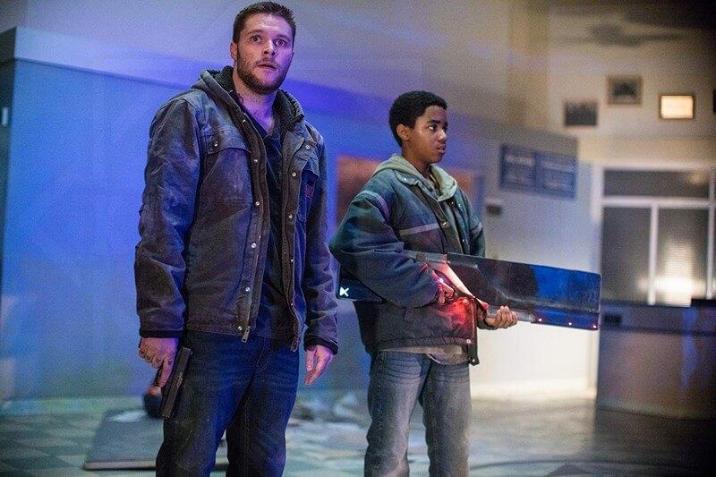 Eli và anh trai trong cuộc trốn chạy - Kin (Vũ khí bí ẩn)