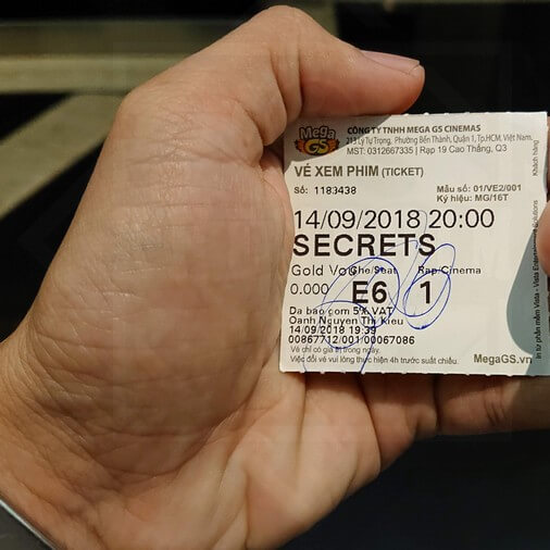 Vé xem phim Secrets in the Hot Spring (Suối ma)