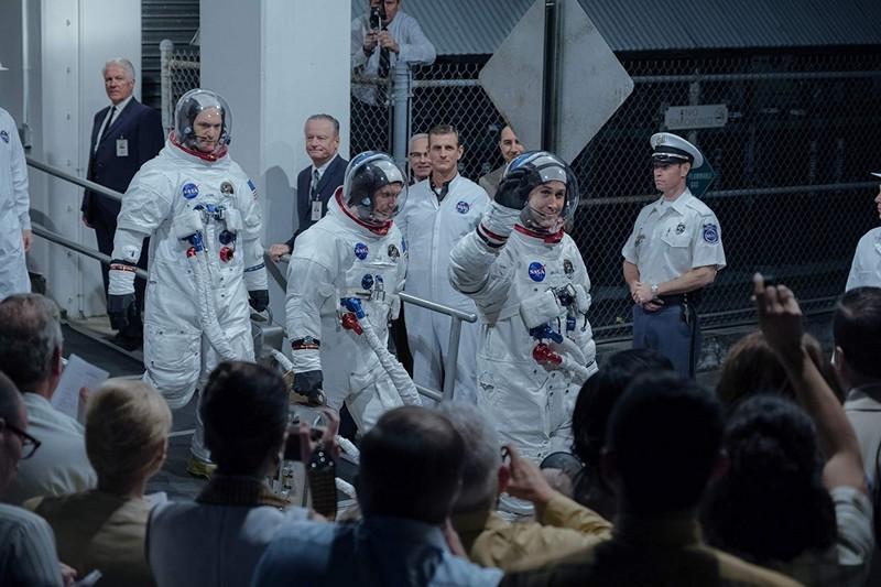 Neil Armstrong và đồng nghiệp - First Man (Bước Chân Đầu Tiên)
