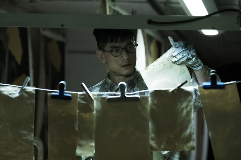 Anh họa sĩ sa ngã - Ông trùm đường dây sản xuất tiền giả - Project Gutenberg (Phi Vụ Tiền Giả)